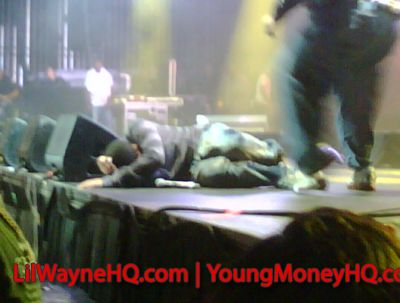 Drake Takes A Nasty Fall On Stage