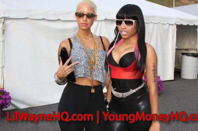 Nicki Minaj Gets Intimate With Amber Rose Backstage At Tour
