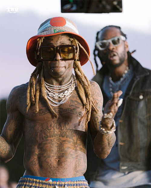 Behind The Scenes Of 2 Chainz & Lil Wayne Money Maker Video