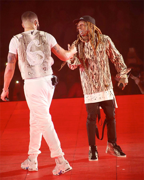 Drake Brings Out Lil Wayne To Perform Live During His Show In Miami, Calls Him The GOAT