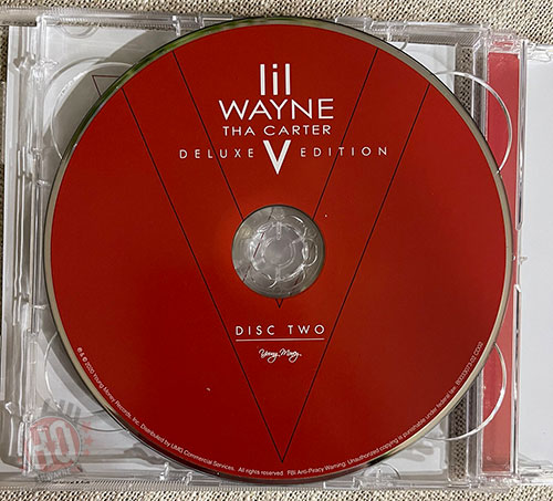 An Inside Look At The Physical Copy Of Lil Wayne Tha Carter V Deluxe Edition Album