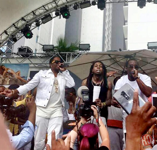 Lil Wayne, Diddy & Mase Perform Mo Money Mo Problems At Foxtail Pool Club In Las Vegas