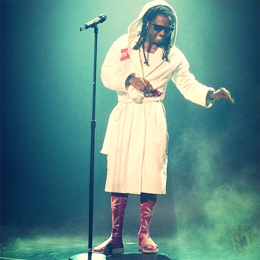 Front Row Footage Of Lil Wayne & Drake Performing Live In Saratoga Springs, New York