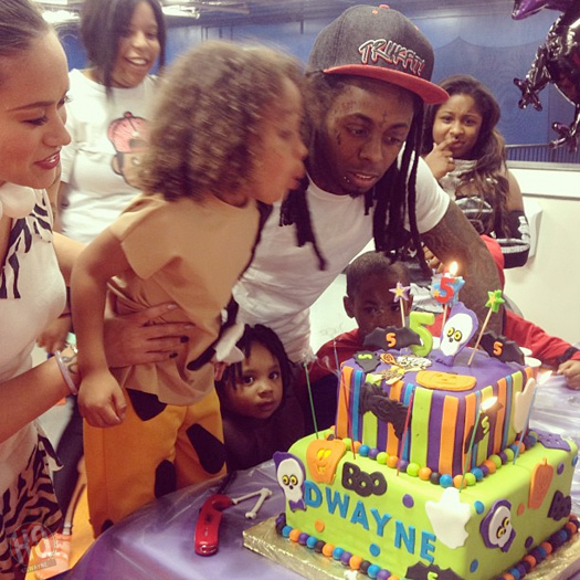 Lil Wayne Dresses Up As Fred Flintstone For His Son Fifth Birthday