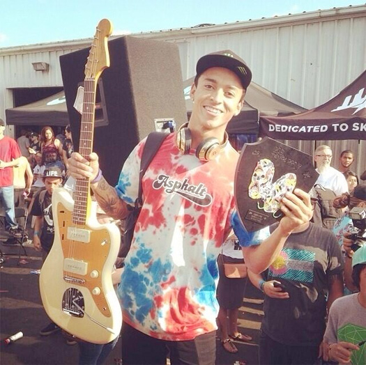 Lil Wayne Gifts Nyjah Huston With A Pair Of Gold Beats Headphones For Winning 2014 Tampa Pro
