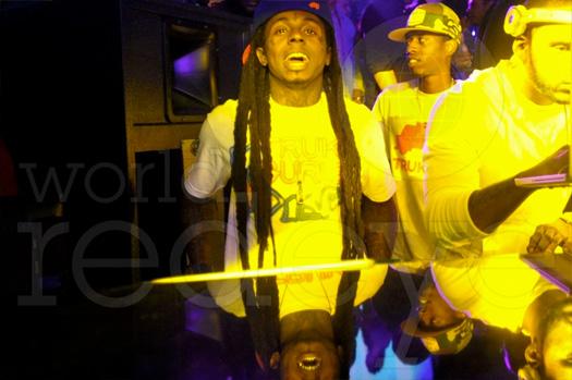 Lil Wayne partes com o moinho Meek na boate história em Miami