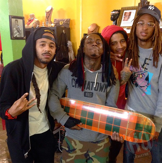 Lil Wayne Goes For A New Look, Gets A Few Of His Dreadlocks Colored