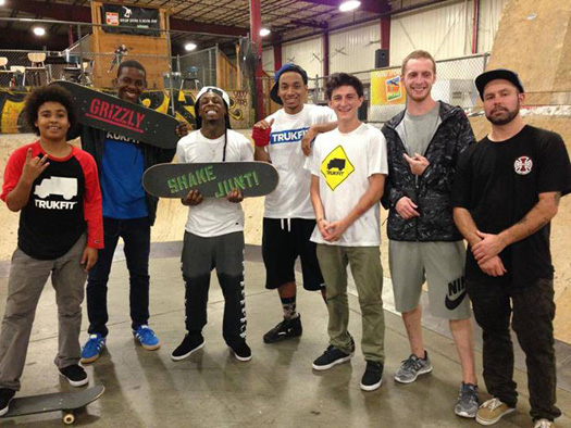 Lil Wayne Stops By Ollies Skatepark In Kentucky, Plays Big Tymers On His Phone