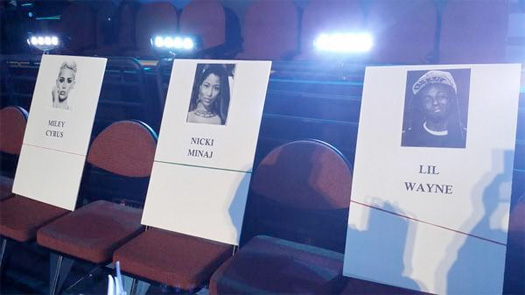 Lil Wayne Is Sitting In Between Beyonce & Nicki Minaj At The 2014 MTV VMAs
