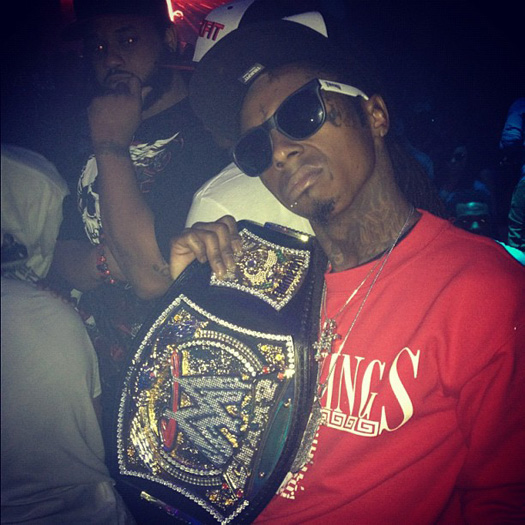 Lil Wayne Vestindo últimos reis e WWE Championship Belt